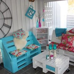 Reuse wooden pallets and create this gorgeous furniture!
