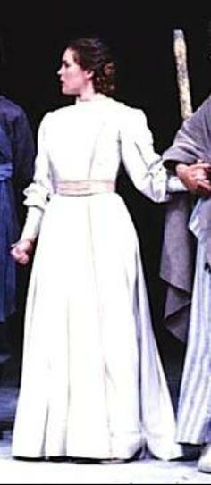 Alice Krige Morgana Le Fay, Alice, Coat, People, Jackets, Dresses, Fashion, Down Jackets, Vestidos