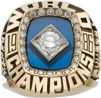 1986 Lenny Dykstra New York Mets World Championship Ring. Like the 1986 World Championship trophy likewise - Available at 2009 October Signature Sports. 1986 World Series, World Series Rings, Baseball Live, Mets Baseball, Championship Rings, World Championship, Lenny Dykstra, My Mets, Lets Go Mets