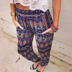 •final sale  • LF stores tribal print pants Similar sizing to lululemon. A 10 equates to a large these could fit a medium. Lightweight and breezy. Aztec/Tribal print pants from LF (((modeled picture to show similar style. I know they are different patterns))) never worn! 👗🎀 LOVE the ITEM but NOT the PRICE ?! Shoot me an offer via the offer feature 👛👖 🚫 NO RUDENESS🚫 🚫NO TRADES🚫 🚫NO PAYPAL🚫 🚫NO HOLDS🚫❤️ LF Pants