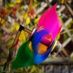 #unabellagiornata 316/365 Sulle terre dei laghi è giunto il freddo vento del nord... #colors #girandola #pinwheel #wind #attilawind