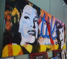 Beautifull Decay - Kunst aan de muur in Café Boeien Katwijk aan Zee