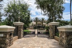Front gate and paver driveway - manor home - Ormond Beach Florida Driveway Entrance Landscaping, Driveway Design, Fence Design, Front Gates, Entrance Gates, House Entrance, House Gate Design, Gate House, Ormond Beach Florida