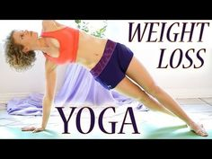 In this Yoga video workout Day 2, Courtney Bell shares a basic weight loss yoga class which focuses on both fat burning and flexibility.