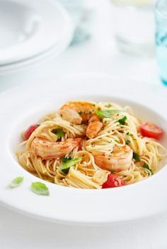 Linguine s tygřími krevetami Linguine, Burn Arm Fat, Mason Jar Cookies, Mason Jar Diy, Spaghetti, Food And Drink, Eat, Ethnic Recipes, Recipes