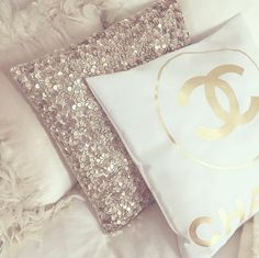 chanel, cozy, gold, interior, pillows, @fannyeskilson