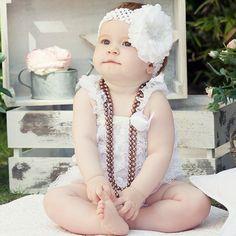 Collares de perlas de colores para bebes. Divertidos collares de fantasía para sacarle divertidas fotos a tu bebe. Elige el color que te guste más. 4.00 €