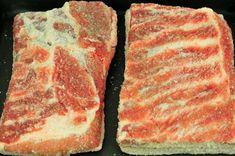 Usušte si doma prerastenú slaninku, postačí vám na to desať dní » Prakticky.sk Smoking Meat, Food 52, Sauce, Steak, Pork, Food And Drink, Homemade, Cooking, Bucky