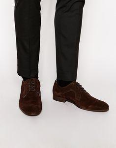 Derby-Schuhe von Selected Obermaterial aus Wildleder Schnürung schmale Zehenpartie niedriger Absatz strukturierte, griffige Sohle mit geeignetem Lederpflegemittel pflegen Obermaterial: 100% echtes Leder