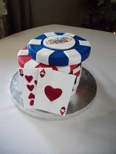 Poker Grooms Cake, This suits my fiance' so much, I'm sure he would love this cake! Cupcakes, Cupcake Cookies, Beautiful Cakes, Amazing Cakes, Vegas Cake, Poker Cake, 21st Cake, Birthday Cakes For Men, Men Birthday