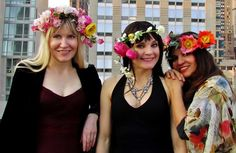 The arrival of Spring means it is time to make new flower crowns! Flower Crowns, Playing Dress Up, Flowers, How To Make, Dresses, Fashion, Vestidos, Moda, Bloemen