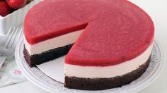 Chocolate Strawberry Mousse Cake -- Layered cake with a brownie base, topped with creamy strawberry cheesecake mousse and a strawberry gelée. Strawberry Mousse Cake, Strawberry Cheesecake, Brownie Cheesecake, Brownie Desserts, Refreshing Desserts, Delicious Desserts, Yummy Food, Cupcakes, Cupcake Cakes