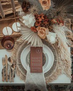 """""""Ideas para el servicio de mesa de cualquier boda de otoño."""" Chic Wedding, Floral Wedding, Fall Wedding, Wedding Colors, Rustic Wedding, Our Wedding, Wedding Flowers, Dream Wedding, Wedding Ideas"""