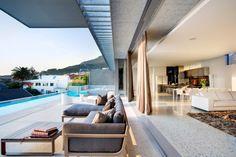 Modern indoor-outdoor home.  Yes please!
