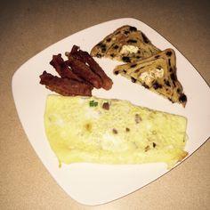 Eggs bacon raisin bread!