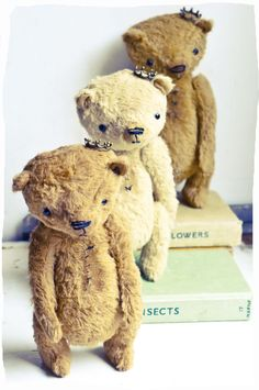 Vintage - Style Teddy Bears Li L Princes #teddy, #teddies, #bears, #toys, #pinsland, https://apps.facebook.com/yangutu