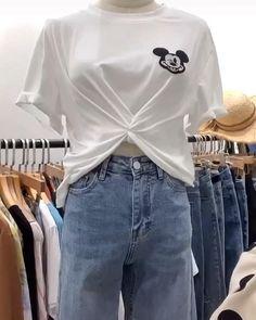 Basic Outfits, Casual Outfits, Fashion Outfits, Diy Fashion Hacks, Fashion Tips, Shirt Hacks, Clothing Hacks, T Shirt Diy, Casual T Shirts