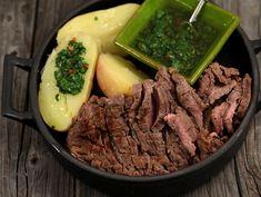 Steak cu cartofi noi si salsa verde