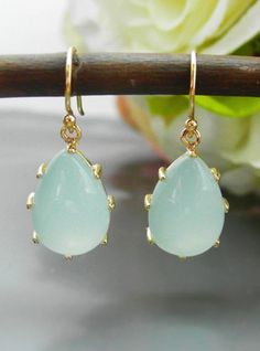 Green aquamarine drop earring