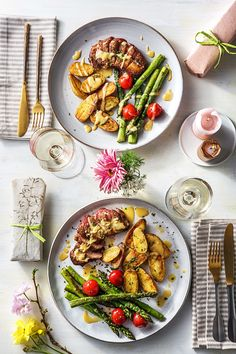Easy and delivoius pan seared duck breast with asparagus, tomatoes, and duck fat potatoes | More premium recipes on hellofresh.com