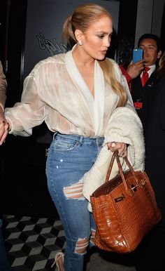 Jennifer Lopez, bares all in completely see-through top Jennifer Lopez Ropa, Jennifer Lopez Movies, Jennifer Lopez Outfits, Jennifer Lopez Photos, Jennifer Lopez 2017, J Lo Fashion, Womens Fashion, Fashion Spring, Sexy Outfits