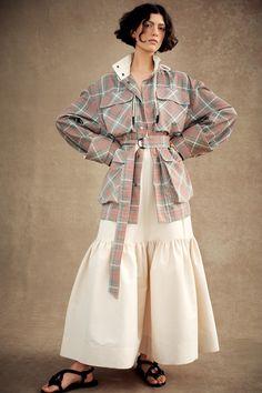 Vogue Fashion, Fashion 2020, Runway Fashion, Girl Fashion, Fashion Outfits, Womens Fashion, 1980s Fashion Trends, Natural Clothing, Fashion Show Collection