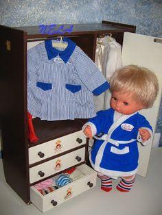 Baby Mocosete, es el muñeco de mi infancia, así como nunca pude disfrutar de las muñecas Novo Gama porque cuando yo empecé a jugar con mu... Nostalgia, Old Dolls, Vintage Toys, Childhood Memories, Old Things, Barbie, Kids Rugs, History, Retro