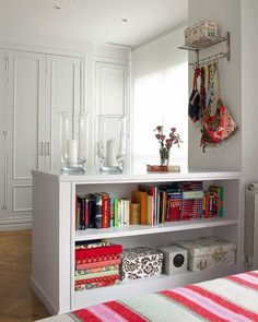 10 Genius Small Bedroom Organization Ideas for ways to organize your small bedroom? Check out these 10 smart and savvy small bedroom organization ideas that make a huge impact. Gorgeous Bedrooms, Furniture, Home, Interior, Bedroom Storage, Bedroom Organization Storage, Organization Bedroom, Small Bedroom Organization, Home Decor