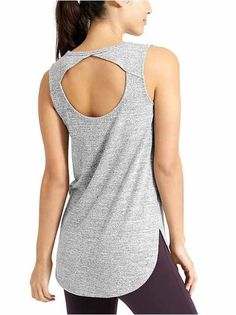 Reach difficult new poses with premium yoga clothes from Athleta. Shop quality yoga wear made with performance in mind. Sport Style, Sport Fashion, Girl Fashion, Fashion Outfits, Dance Outfits, Sport Outfits, Workout Wear, Swagg, Fashion Details