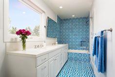 Design piastrelle blu e bianco