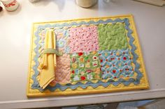 cotton pickin fun!: Placemats With Bake Sale Fabric!