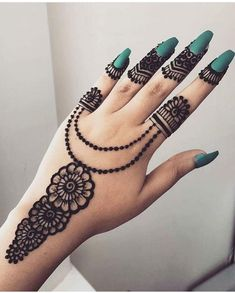 Finding the best Arabic Mehndi Designs - Check out the latest collection of Arabic Mehendi design images and photos for this year. Arabic mehndi designs easy are the most beautiful designs that are in demand. Here Are the Best 25 Arabic Mehndi Design. Henna Hand Designs, Eid Mehndi Designs, Mehndi Designs Finger, Latest Arabic Mehndi Designs, Mehndi Designs For Girls, Mehndi Designs For Beginners, Stylish Mehndi Designs, Mehndi Designs For Fingers, Mehndi Design Photos