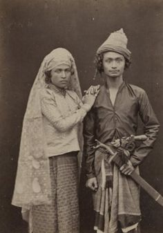 86 Amazing old photos of Indonesian people Asian History, History Photos, Art History, Indonesian Women, Emotional Photography, Vintage Photos Women, Unity In Diversity, Dutch East Indies, Borneo