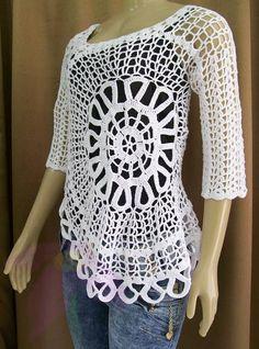 Linda blusa  em crochê modelo usada pela apresentadora Ana Maria Braga, tem uma modelagem e um estilo super moderno e arrojado.  Confeccionada em linha 100% algodão  Tamanhos PP ao M Manga longa ou 1/2. Para outros tamanhos consulte-nos Tabela de cores na guia lateral R$ 189,99