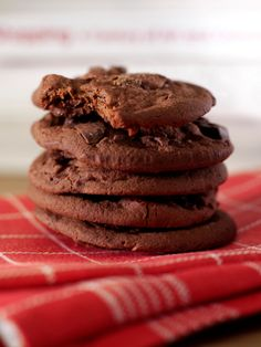 An easy cookie recipe - low fat double chocolate chip cookie