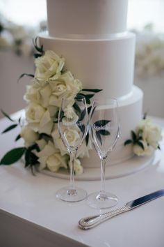 Classic wedding cake styling Albert Park, Melbourne Wedding, Fashion Cakes, Wedding Cake Inspiration, Beautiful Wedding Cakes, Wedding Photography, Bride, Classic, Style