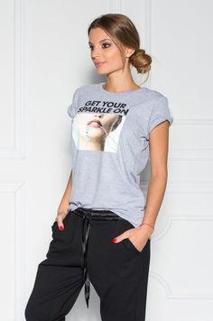 Tričko s krátkym rukávom, v prednej časti nápis