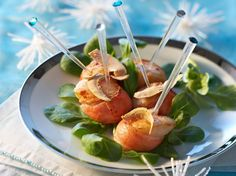 Découvrez la recette Noix de Saint-Jacques au lard fumé, lamelles de foie gras sur cuisineactuelle.fr.