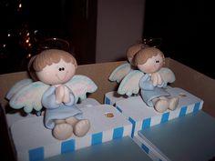 Angelitos sentados