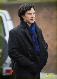 Benedict Cumberbatch & Martin Freeman Film Sherlock Season 3 | benedict cumberbatch martin freeman film sherlock season 3 17 - Photo Gallery | Just Jared