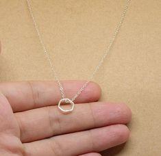Tiny zeshoek Shaped hanger met zilver ketting kleine