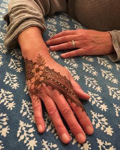 Henna hand flowers and geomtric pattern by henna soul henna tattoos, he Indian Henna Designs, Henna Tattoo Designs Simple, Floral Henna Designs, Beginner Henna Designs, Modern Mehndi Designs, Mehndi Designs For Girls, Mehndi Designs For Fingers, Mehndi Design Images, Beautiful Henna Designs
