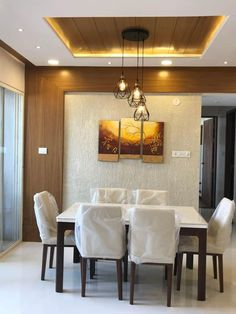 We've seen our fair share of creative ceiling design ideas. There are appropriately many ways to accentuate a room by using the ceiling as a focal poi… – Ceiling Decorations Dining Room Ceiling Design, House Ceiling Design, False Ceiling Living Room, Bedroom False Ceiling Design, Home Ceiling, Modern Ceiling, Bedroom Ceiling, Wooden Ceiling Design, Bedroom Decor
