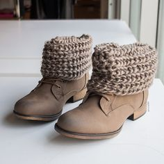 Warming Up Short Sweater Cuff Boots