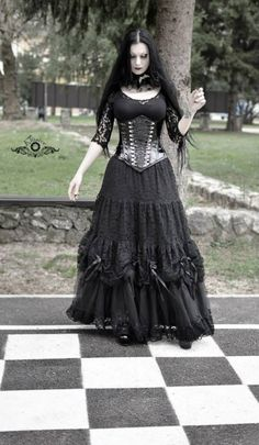 Black underbust corset made by CGD worn by my friend and gothic model Lady Macbeth. Contessa Gothique Corsets Photo by: Sumea Sjenar - Elusive Photography