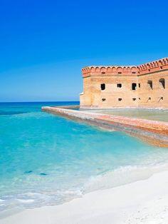 15 of the best US beaches via Vacation Places, Vacation Spots, Places To Travel, Places To See, Travel Destinations, Vacation Days, Tourist Spots, Destin Beach, Beach Trip