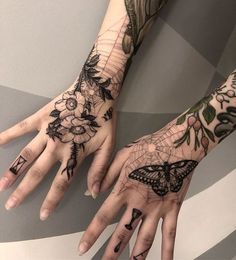 Had the insane pleasure of Tattooing my friend hands today! No pressure there. Thanks a Ton Sam! Dope Tattoos, Pretty Tattoos, Unique Tattoos, Beautiful Tattoos, Body Art Tattoos, Small Tattoos, Sleeve Tattoos, Tatoos, Female Hand Tattoos