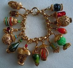 Vintage Napier Asian Oriental Lantern Chunky Charm Bracelet