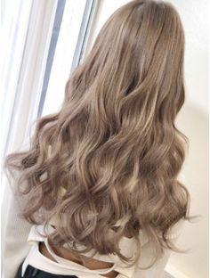 Milk + Blush Hair Extensions: With A Tan Soft Blonde Hair, Wavy Hair, Dyed Hair, Hair Cut, Permed Hairstyles, Cool Hairstyles, Japanese Hairstyles, Korean Hairstyles, Redhead Hairstyles