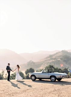 A Classic Summer Engagement Shoot in Southern California Engagement shoot photo ideas malibu classic car vintage mustang convertible Vintage Engagement Photos, Engagement Photo Poses, Engagement Pictures, Engagement Shoots, Engagement Photography, Wedding Pictures, Wedding Photography, Pre Wedding Poses, Pre Wedding Photoshoot